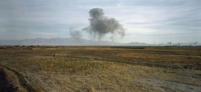 Luc Delahaye: US Bombing of Taliban Positions