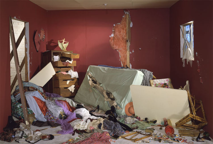 Jeff Wall: The Destroyed Room (1978)